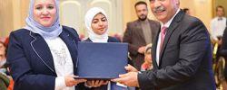 وزير الطيران يكرم الأمهات المثاليات بقطاع الطيران المدنى